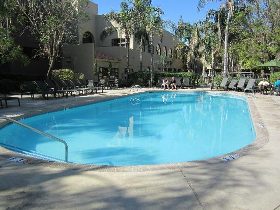 Embassy Suites by Hilton Hotel Phoenix - Tempe: Great Pool Area