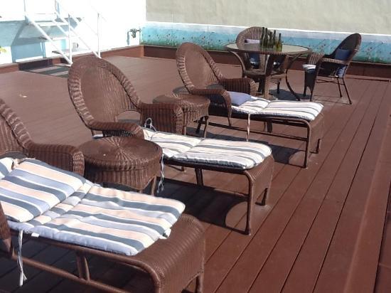 Penguin Hotel: balcony