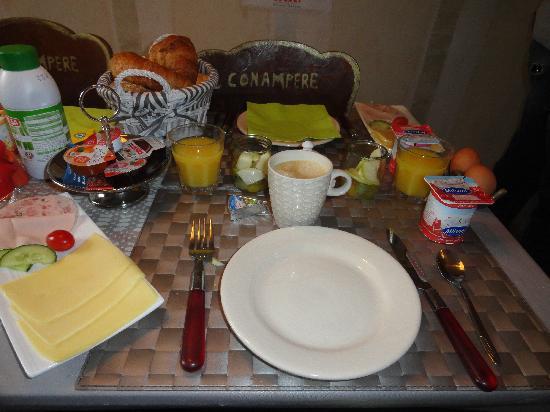 B&B Con Ampere: Breakfast