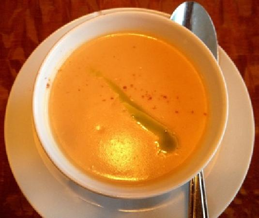 Stoney Knob Cafe: Some of the best lobster bisque I have ever had - didn't need a thing!