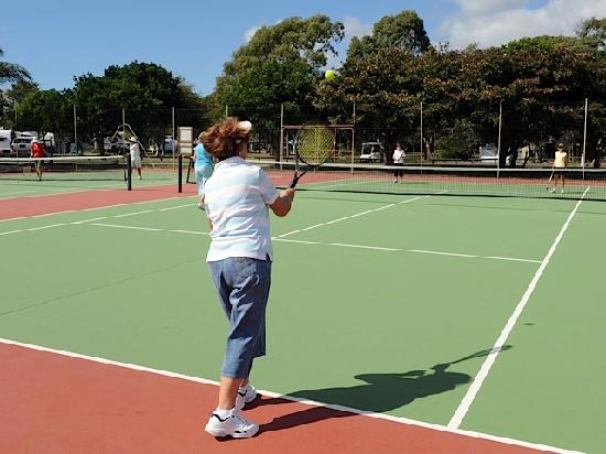 Bargara Beach Caravan Park: Keeping fit with friends