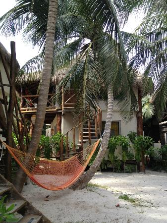 Amansala Eco Chic Resort : hut ...upper and lower rooms
