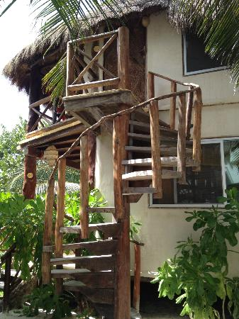 Amansala Eco Chic Resort: stairs to our upper room
