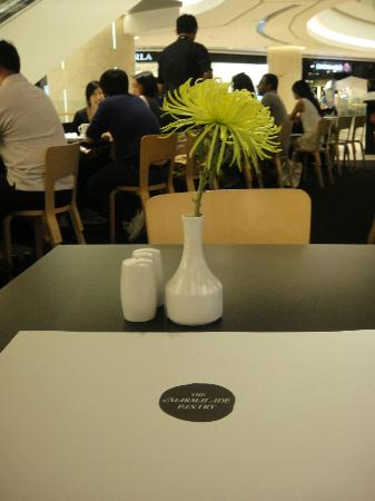 The Marmalade Pantry: The little flower that was dining with me