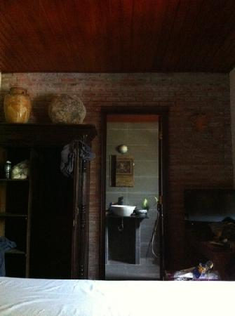 B'Lan Homestay : There is a full bath tub inside the bathroom