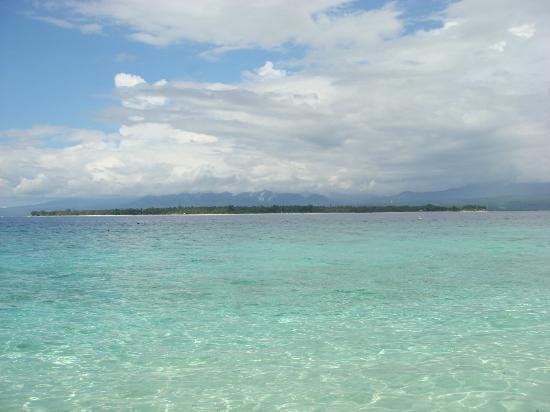 MAHAMAYA Boutique Resort: Clear blue sea of Meno