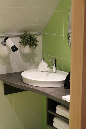 Le Grenier Des Aromes Au Domaine Wittmann: Salle de bains