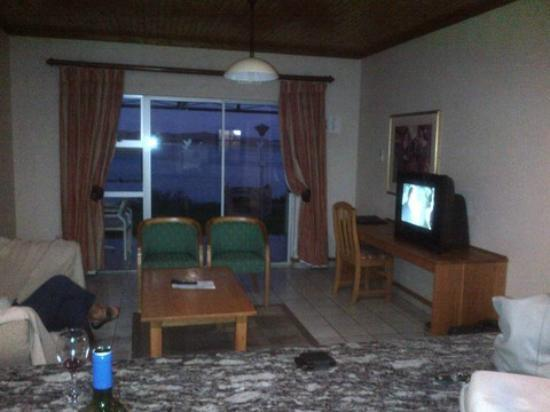 Gariep A Forever Resort: Taken from the kitchen,  lounge area
