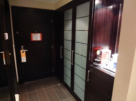 Park Inn by Radisson Al Khobar : Business Friendly Room