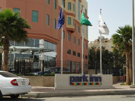 Park Inn by Radisson Al Khobar: Hotel Entrance