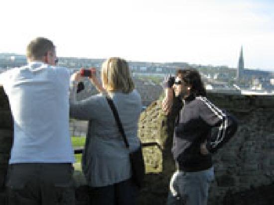 Guide Derry Italiano: gruppo