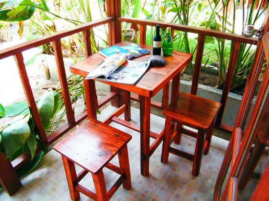 Cyana Beach Resort: Terrace table