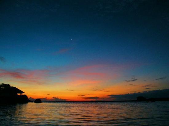 ซียานา บีช รีสอร์ท: Sunset