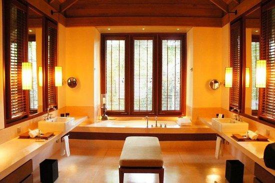 The Datai Langkawi: Superior Villa's Bathroom