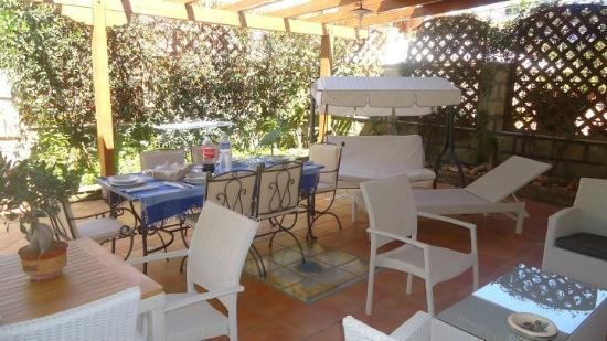 Magnolia House: giardino attrezzato