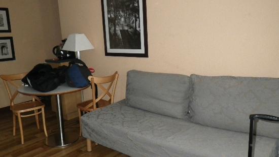 Adagio Paris Montmartre : Cama extra/sofa