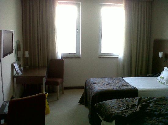 IN Hotel Belgrade : room