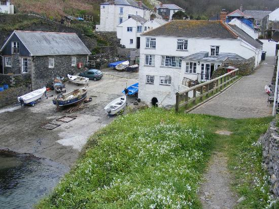 The Lugger Hotel: From East coast path