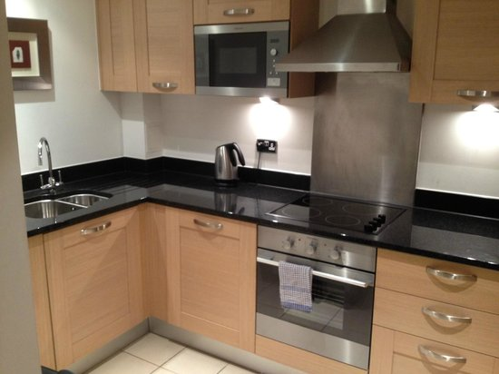 Marlin Apartments Aldgate: Kitchen