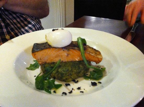 Choice Bar & Restaurant: Pan fried Fillet of Salmon on Pea & Broad Bean Cake with Poached Egg, Black Olive Crisps & Lemon