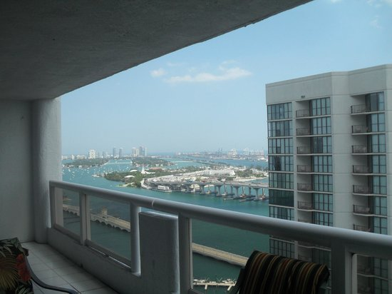 Doubletree by Hilton Grand Hotel Biscayne Bay: Balcony