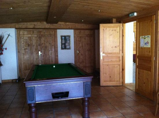 Hotel de l'Arve: Pool room