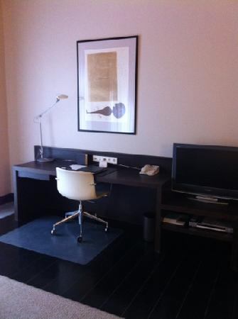 Hotel Bergs: working desk