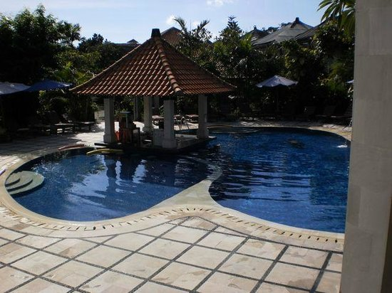 Puri Raja: The Pool & Pool Bar