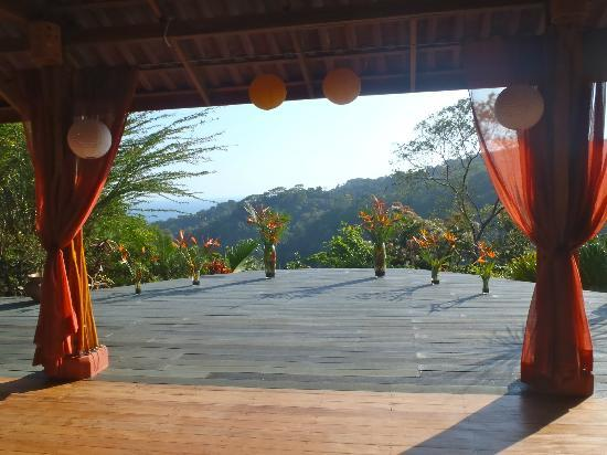 Luna Lodge: The Yoga Platform ready for a wedding