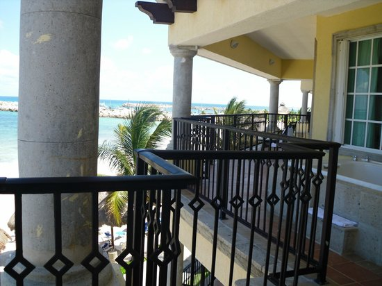Hotel Marina El Cid Spa & Beach Resort : Could not even fit the whole balcony in one picture!