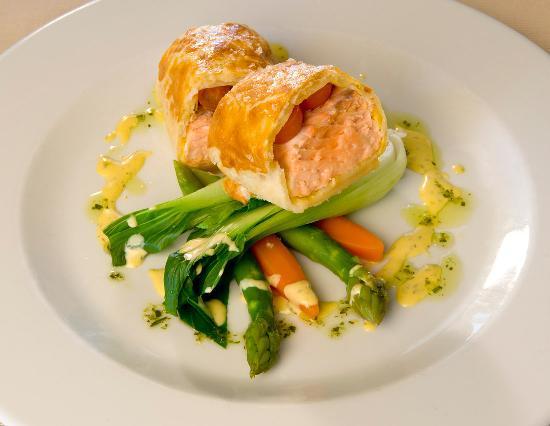 Four Seasons Fairways: Restaurant food