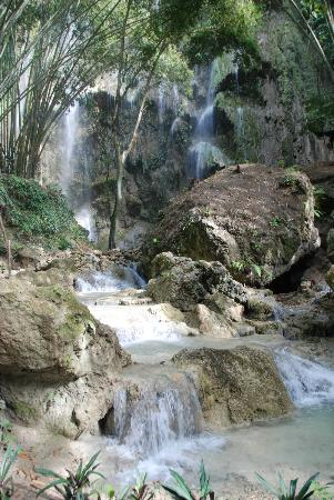Oslob, Filipiny: The entry to Tumalog falls