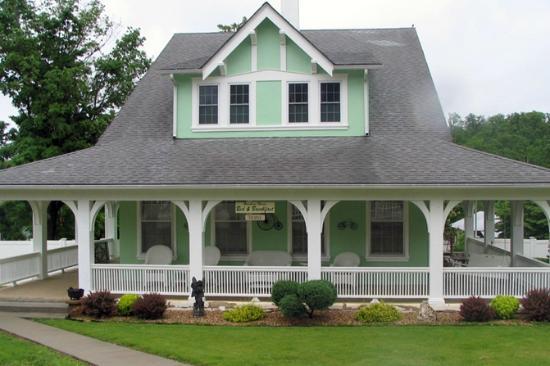 Hawkins House B & B: Hawkin's House