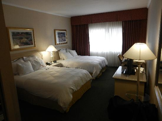 DoubleTree by Hilton Hotel Flagstaff : Two queen room