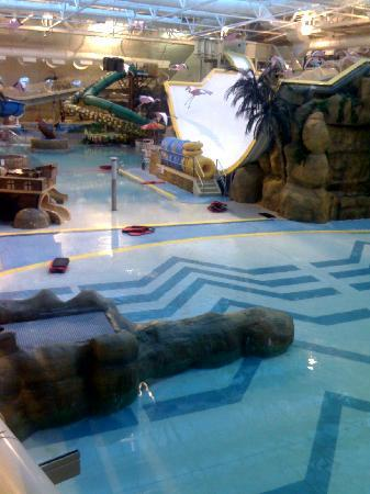 Sandcastle Waterpark: general view inside