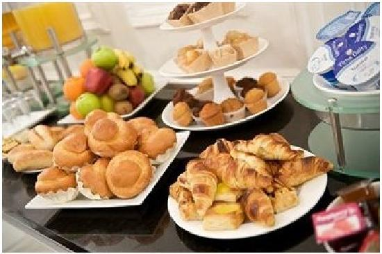 Fraser Residence Budapest: Breakfast buffet