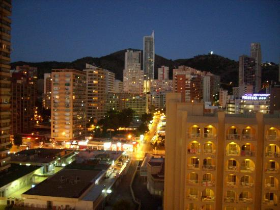 Sol Pelicanos Ocas: View at night from the balcony