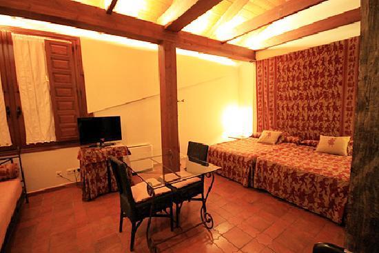 Hosteria Ayala Berganza: Our bedroom.