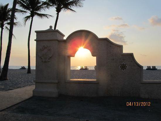 Angelfish Inn: Wonderful sunrises!