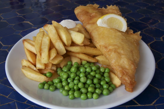 Torcross Boat House: Cod, chips and Peas at the Boathouse.