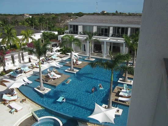Gansevoort Turks + Caicos: Pool at Gansevoort Turks & Caicos