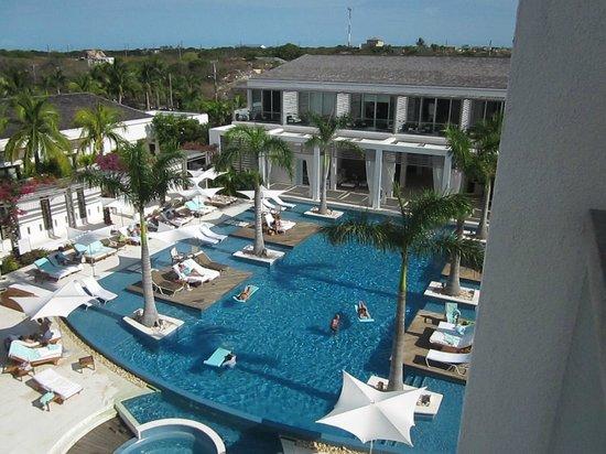 جانزيفورت تركس آند كايكوس: Pool at Gansevoort Turks & Caicos