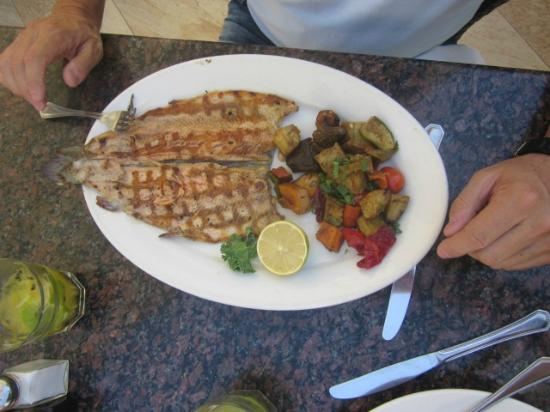 Kansas Grill : Trucha con vegetales