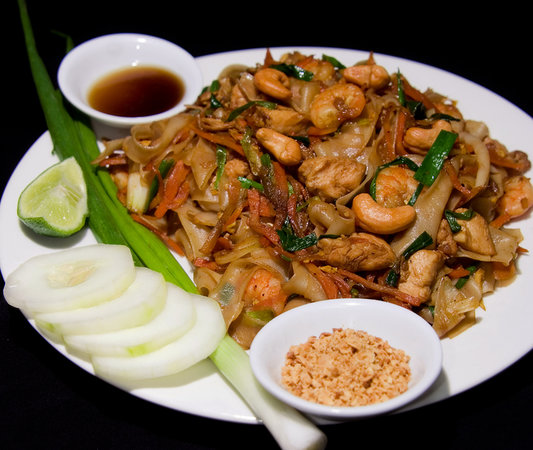 Mullu Cafe : PAD THAI KUN