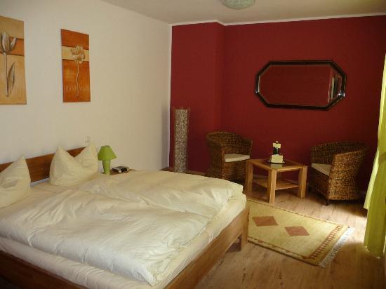Hotelzimmer bild von hotel weinhaus hoff bad honnef for Hotelzimmer teilen