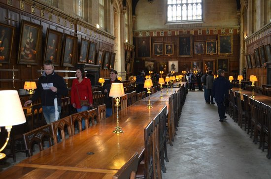 Footprints Tours Oxford : The dining hall in Harry Potter
