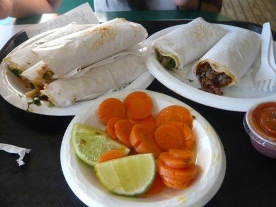 Tacos San Pedro: Mmmmm....carne asada tacos!
