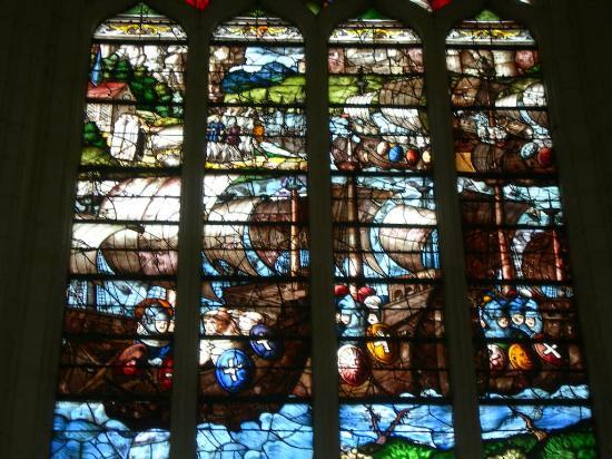 Sainte-Chapelle de Champigny sur Veude : Vitraux de la Saint-Chapelle de Champigny sur Veude
