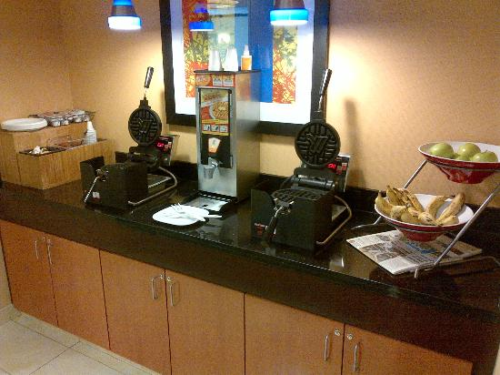 Fairfield Inn & Suites Millville Vineland : breakfast 4 of 4