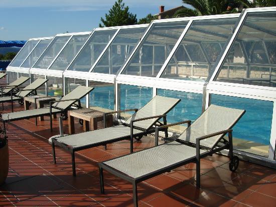 Anda Villa Club Jardin: Covered pool